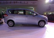 suzuki_ertiga_right_side